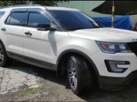 Selling Pearl White Ford Explorer 2017 in Magalang