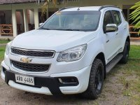 Selling White Chevrolet Trailblazer 2016 in Makati