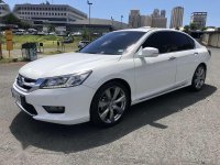 Selling Pearl White Honda Accord 2015 in Pasig