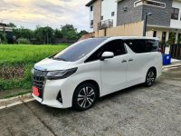 Pearl White Toyota Alphard 2020 for sale in Automatic
