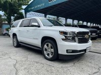 White Chevrolet Suburban 2019 for sale in Automatic