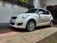 Selling Pearl White Suzuki Swift 2015 in Quezon City