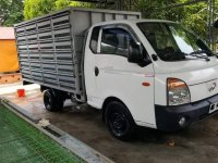 White Hyundai Porter 2012 for sale in Los Baños