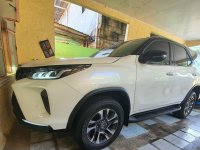 Selling Pearl White Toyota Fortuner 2021 in Angeles