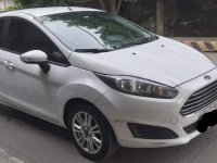 White Ford Fiesta 2015 for sale in Manual