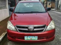 Red Toyota Innova 2005 for sale in Manual