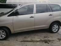Selling Pearl White Toyota Innova 2010 in Taguig