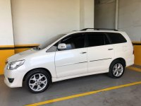 Selling Pearl White Toyota Innova 2012 in Pasig