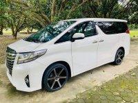 Sell White 2016 Toyota Alphard in San Fernando
