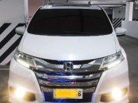 Selling White Honda Odyssey 2015 in Makati