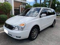 Pearl White Kia Carnival 2014 for sale in Automatic