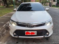 Selling White Toyota Camry 2017 in Manila