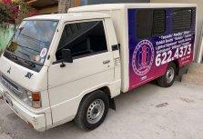 Selling White Mitsubishi L300 2015 in Manila