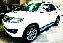 Sell White Toyota Fortuner in Manila