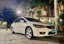 White Honda Civic 2009