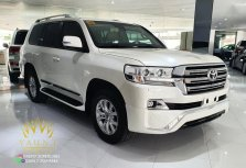 Pearl White Toyota Land Cruiser 2019 for sale in Quezon