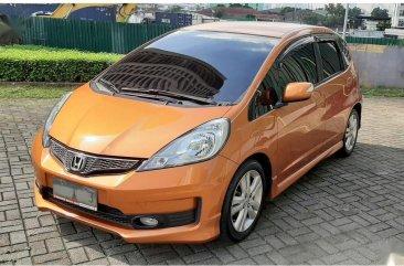 Selling Orange Honda Jazz 2013 in Manila