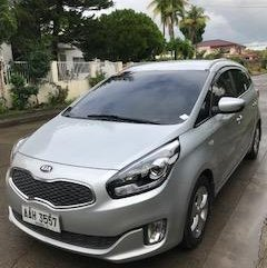 Silver Kia Carens 2016 for sale in Automatic