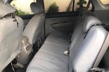 Silver Kia Carens 2008 for sale in Automatic