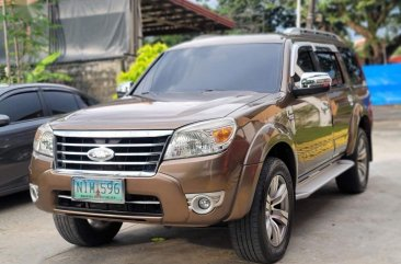 Selling White Ford Everest 2016 in Caloocan