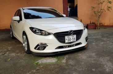 Selling White Mazda 3 2016 in Quezon City