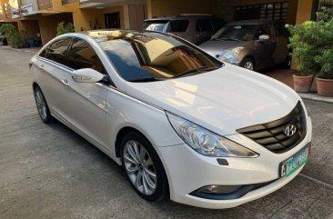 Pearl White Hyundai Sonata 2011 for sale in Manila