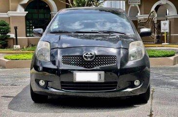 Selling Black Toyota Yaris 2008